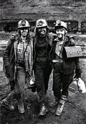 coal_women001_newsitemsize